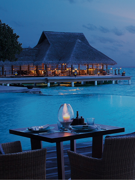 Poolside Bar and Lounge